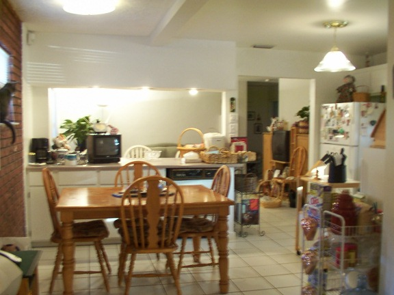 Familyroom into the eat-in kitchen